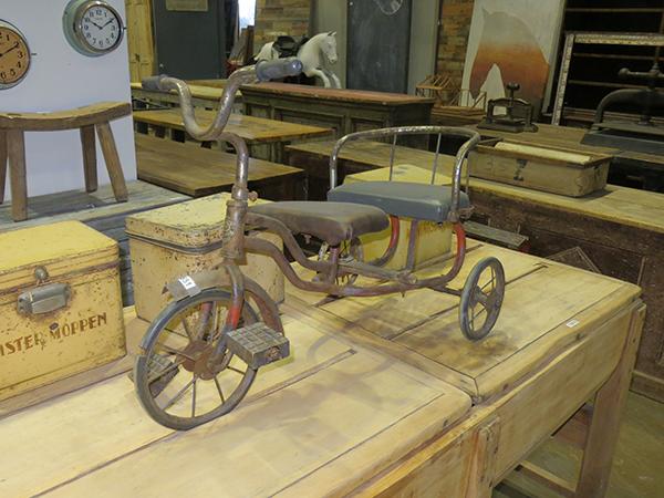 anita-antique-warehouse
